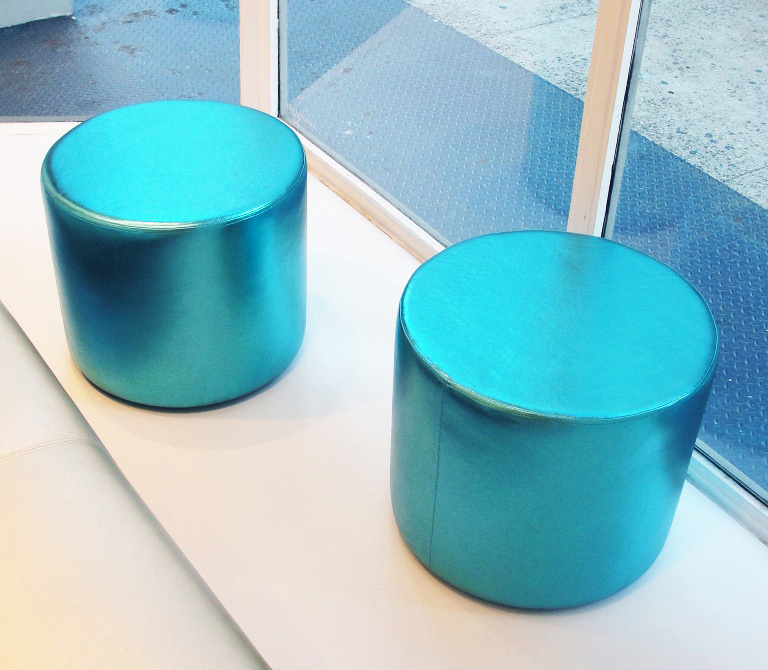 Cylinder ottomans - turquoise metallic leather - 2-917-xxx